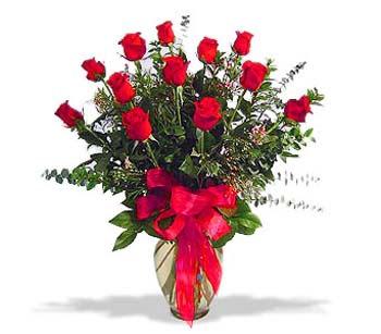 çiçek siparisi 11 adet kirmizi gül cam vazo  Afyon online çiçek gönderme sipariş