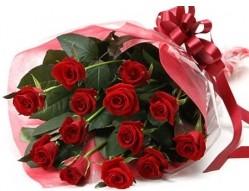 Afyon anneler günü çiçek yolla  10 adet kipkirmizi güllerden buket tanzimi