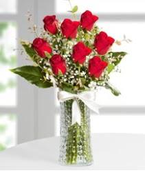 7 Adet vazoda kırmızı gül sevgiliye özel  Afyon çiçek siparişi sitesi