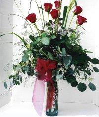 Afyon çiçek siparişi sitesi  7 adet gül özel bir tanzim