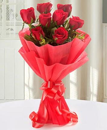 9 adet kırmızı gülden modern buket  Afyon İnternetten çiçek siparişi