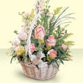 Afyon 14 şubat sevgililer günü çiçek  sepette pembe güller