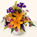 Afyon 14 şubat sevgililer günü çiçek  sepet içinde karisik çiçekler