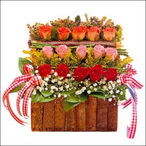 sandikta 3 kat güllerden   Afyon cicekciler , cicek siparisi