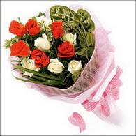 5 kirmizi 5 beyaz güllerden   Afyon online çiçek gönderme sipariş