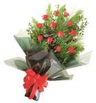 12 adet kirmizi gül buketi   Afyon çiçekçi mağazası