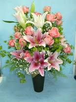 Afyon internetten çiçek satışı  cam vazo içerisinde 21 gül 1 kazablanka