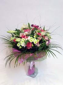 Afyon hediye çiçek yolla  karisik mevsim buketi mevsime göre hazirlanir.