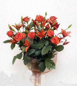 9 adet gül ve 3 adet lilyum çiçegi buketi   Afyon cicek , cicekci