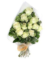 Afyon online çiçekçi , çiçek siparişi  12 li beyaz gül buketi.