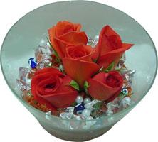 Afyon 14 şubat sevgililer günü çiçek  5 adet gül ve cam tanzimde çiçekler