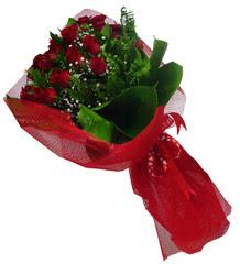 Afyon çiçek gönderme sitemiz güvenlidir  10 adet kirmizi gül demeti