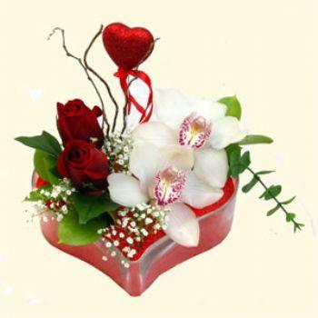 Afyon hediye sevgilime hediye çiçek  1 kandil orkide 5 adet kirmizi gül mika kalp