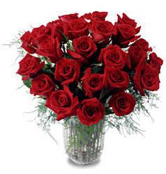 Afyon çiçek gönderme sitemiz güvenlidir  11 adet kirmizi gül cam yada mika vazo içerisinde
