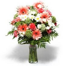 Afyon çiçekçiler  cam yada mika vazo içerisinde karisik demet çiçegi