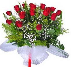Afyon çiçek satışı  12 adet kirmizi gül buketi esssiz görsellik