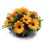 gerbera ve kir çiçek masa aranjmani  Afyon çiçek siparişi vermek