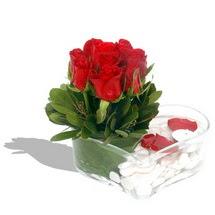 Mika kalp içerisinde 9 adet kirmizi gül  Afyon çiçek servisi , çiçekçi adresleri
