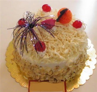 pasta siparisi 4 ile 6 kisilik yaspasta mis lezzette  Afyon çiçekçi telefonları