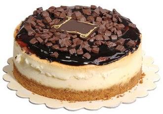 pasta yolla 4 ile 6 kisilik çikolatali yas pasta  Afyon online çiçek gönderme sipariş