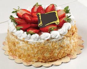 uygun pastaneler 4 ile 6 kisilik çilekli yas pasta lezzetli  Afyon çiçek siparişi vermek