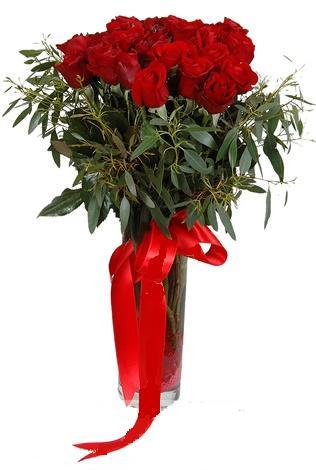 15 adet kirmizi gül cam vazo içerisinde  Afyon internetten çiçek satışı