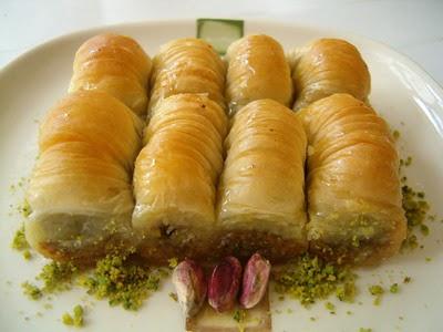 tatli gönder Essiz lezzette 1 kilo Fistikli Sari Burma  Afyon cicekciler , cicek siparisi