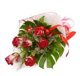 Çiçek gönder 9 adet kirmizi gül buketi  Afyon çiçek siparişi vermek