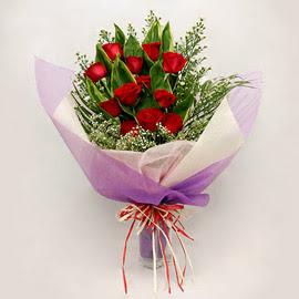 çiçekçi dükkanindan 11 adet gül buket  Afyon çiçekçi mağazası