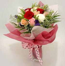 Karisik renklerde 11 adet gül buketi  Afyon çiçek gönderme