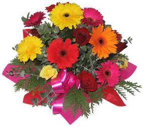 Karisik mevsim çiçeklerinden buket  Afyon hediye sevgilime hediye çiçek