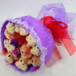 11 adet ayiciktan buket  Afyon internetten çiçek siparişi