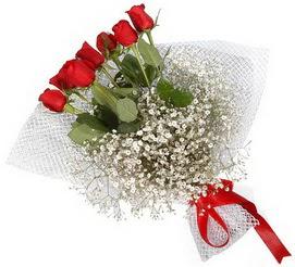 7 adet essiz kalitede kirmizi gül buketi  Afyon hediye sevgilime hediye çiçek