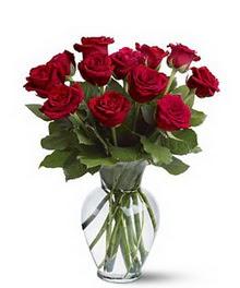 Afyon çiçek gönderme sitemiz güvenlidir  cam yada mika vazoda 10 kirmizi gül