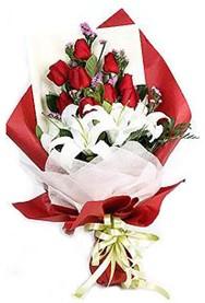 Afyon hediye çiçek yolla  9 adet gül 2 adet kazablanka buketi
