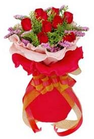 Afyon cicekciler , cicek siparisi  8 Adet kirmizi güllerden buket tanzimi