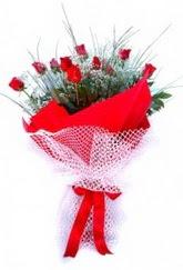 Afyon İnternetten çiçek siparişi  9 adet kirmizi gül buketi demeti