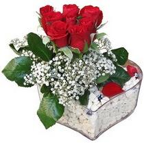 Afyon güvenli kaliteli hızlı çiçek  kalp mika içerisinde 7 adet kirmizi gül