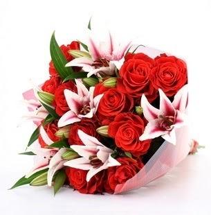 Afyon çiçek siparişi vermek  3 dal kazablanka ve 11 adet kırmızı gül