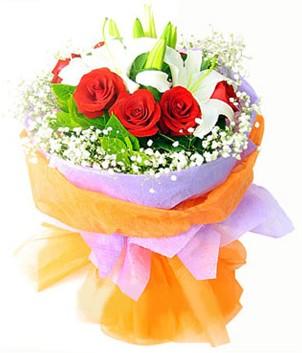 Afyon çiçek gönderme sitemiz güvenlidir  1 dal kazablanka 7 adet kırmızı gül buketi