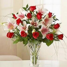 Afyon çiçek mağazası , çiçekçi adresleri  12 adet kırmızı gül 1 dal kazablanka çiçeği