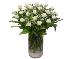 Afyon yurtiçi ve yurtdışı çiçek siparişi  cam yada mika Vazoda 12 adet beyaz gül - sevenler için ideal seçim