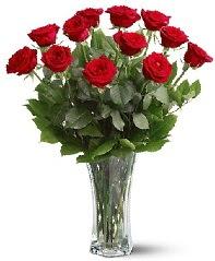 11 adet kırmızı gül vazoda  Afyon internetten çiçek siparişi