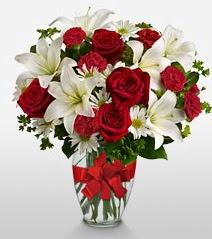 Eşsiz vazo tanzimi güller kazablankalar  Afyon online çiçek gönderme sipariş