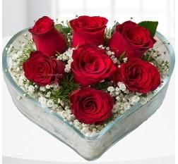 Kalp içerisinde 7 adet kırmızı gül  Afyon çiçek servisi , çiçekçi adresleri