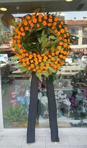 Cenaze çiçeği cenaze çelengi çiçek modeli  Afyon çiçek gönderme